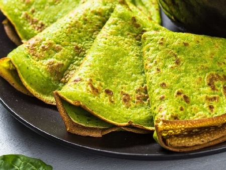 Зелени солени палачинки със спанак, грах с ядково мляко - снимка на рецептата